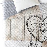 NARZUTA z łapaczem snów 220×240 szaro beżowa pikowana