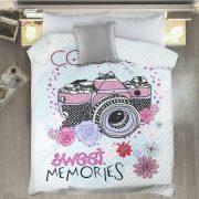 Narzuta dla dzieci biała z kwiatkami aparatem i ozdobnym napisem