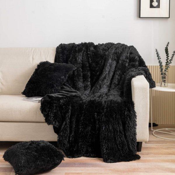 Narzuta włochacz czarna 150x200 koc puszysty miękki futrzany