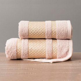 Ręcznik różowy pudrowy ze złotą bordiurą kąpielowy 70x140 Lionel