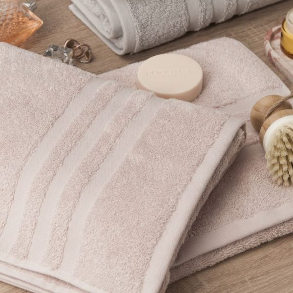 Gruby ręcznik frotte kremowy kąpielowy 50x90 bawełniany nowoczesny